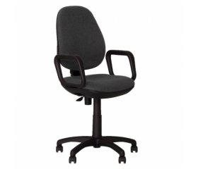 Черные офисные кресла и стулья